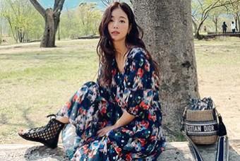 봄향기 솔솔 나는 스타 사복 패션