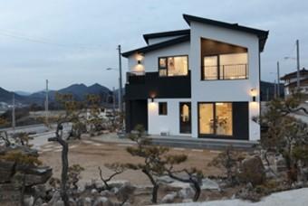 나무를 좋아하는 남편, 아내의 꿈을 이룬 전원주택