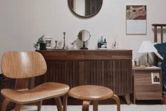 맥시멀리스트의 행복한 공간, 빈티지로 채운 침실