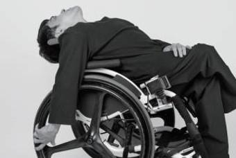 지체장애인이자 변호사, 아름다운 '1인 다역'