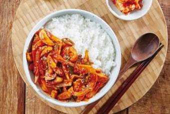 간단하게 만드는 한 그릇 요리! 매콤 버섯덮밥