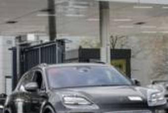 '이름 바뀔지도?'...2023년 출시될 '포르쉐 마칸 EV' 테스트카 포착