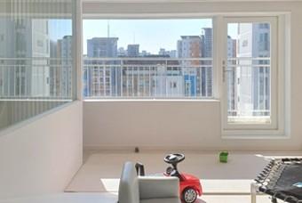아이들의 아지트, 다락방이 있는 탑층 아파트