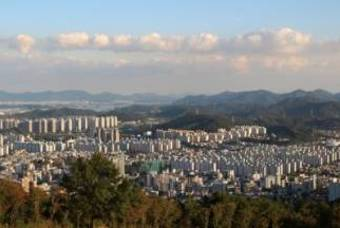 일본 '꿈의 신도시' 다마뉴타운, 30년 후 빈집 늘어 유령도시로