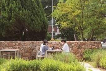 기차역·병원·군부대 등에 나타난 도심 속 정원!