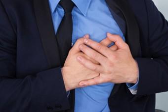 남성 유방암·여유증 더 위험하다 vs. 아니다